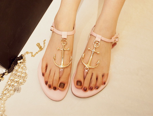 gold-metal-anchor-strap-flats